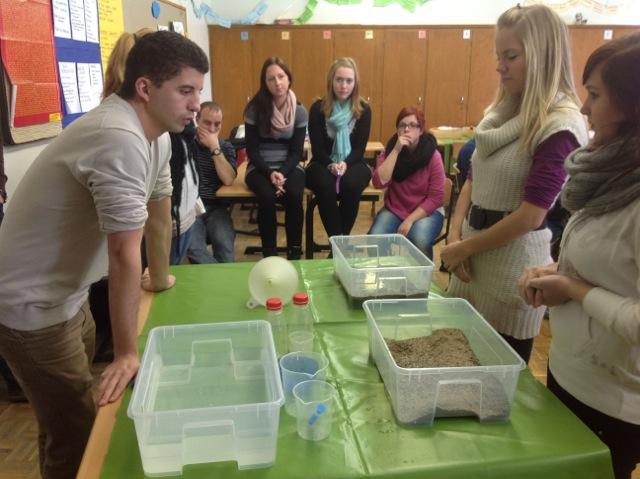 Studierende lernen voneinander